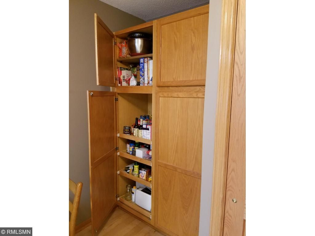 Cabinets with pullouts!
