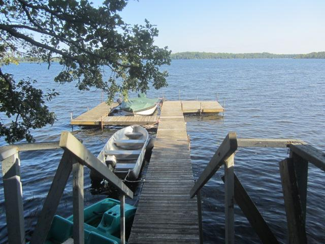 Plenty of docking spaces for your lake toys here...Borden Lake is 1011 acres & offers 84' depth & 12' water clarity - one of the best lakes around with bountiful fishing opportunities and nearby newly opened restaurant on the lake! NO MILLFOIL!