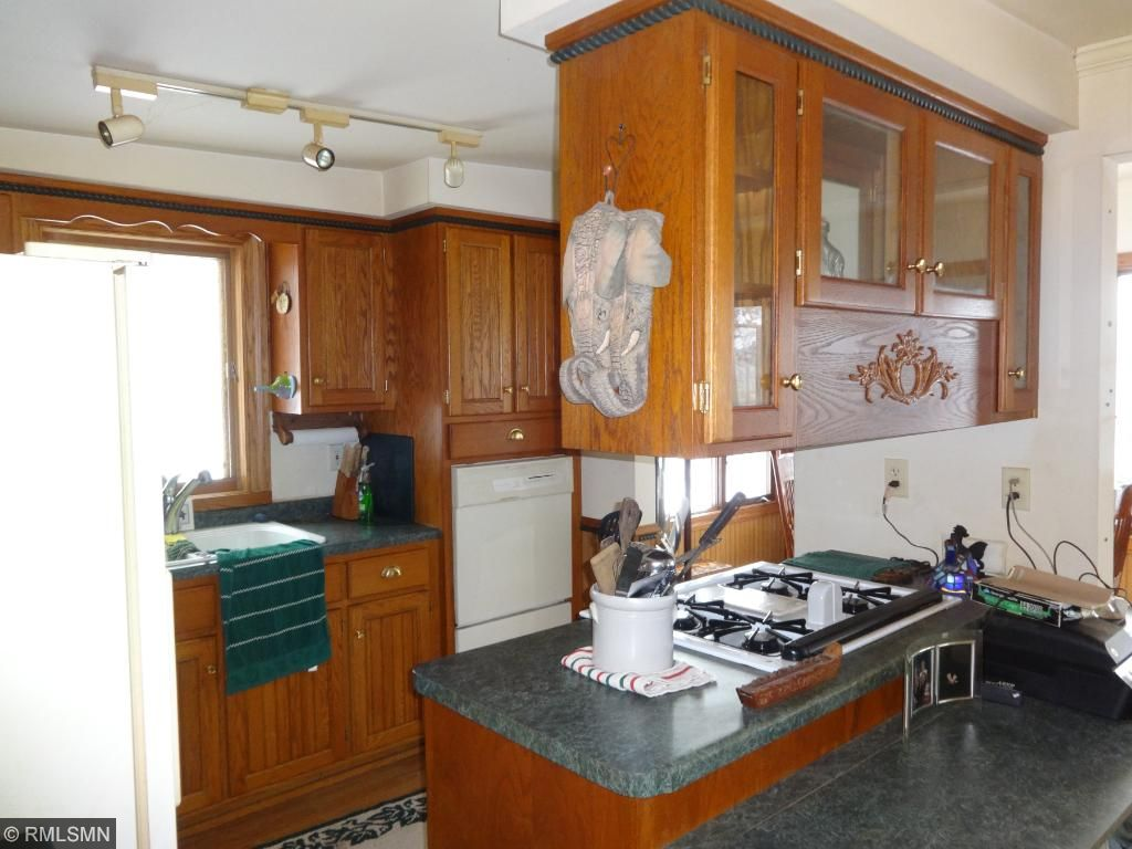 Center island with breakfast bar
