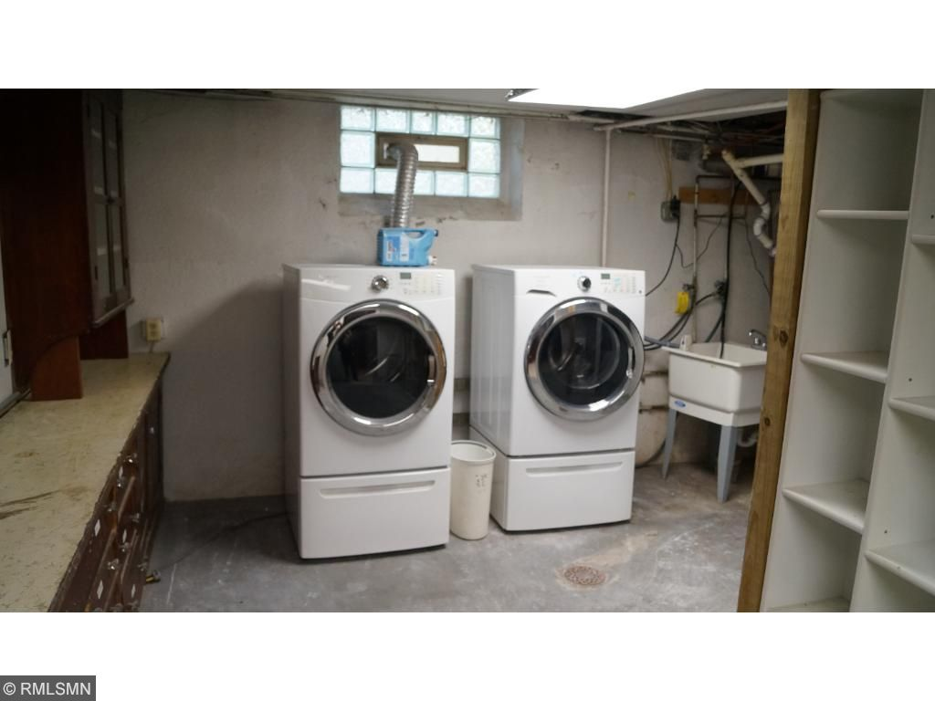 Laundry area in the utility room.