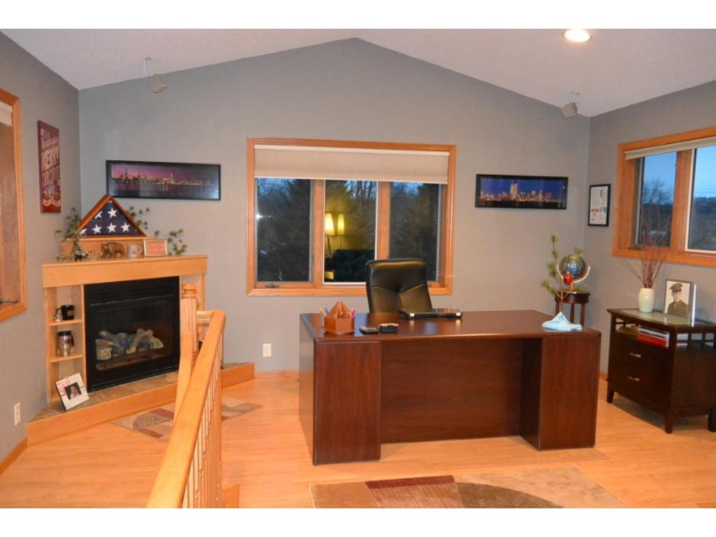 """""""Office"""" off kitchen. Room can be used for many things"""