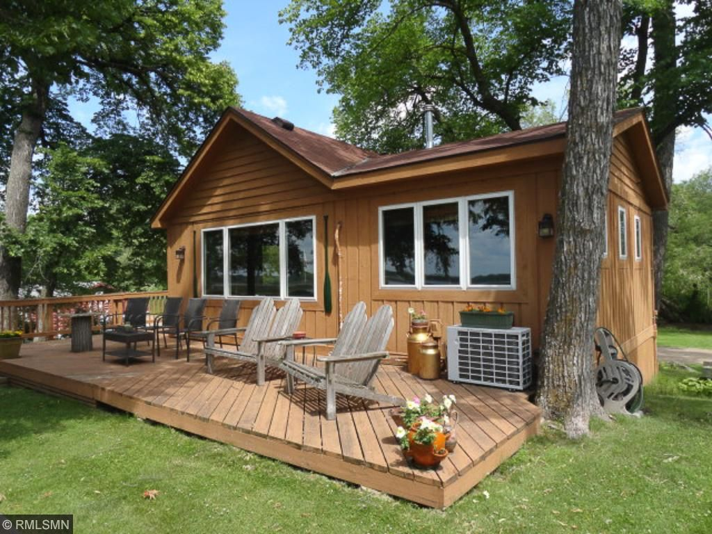 Cute & cozy main cabin with lakeside deck.