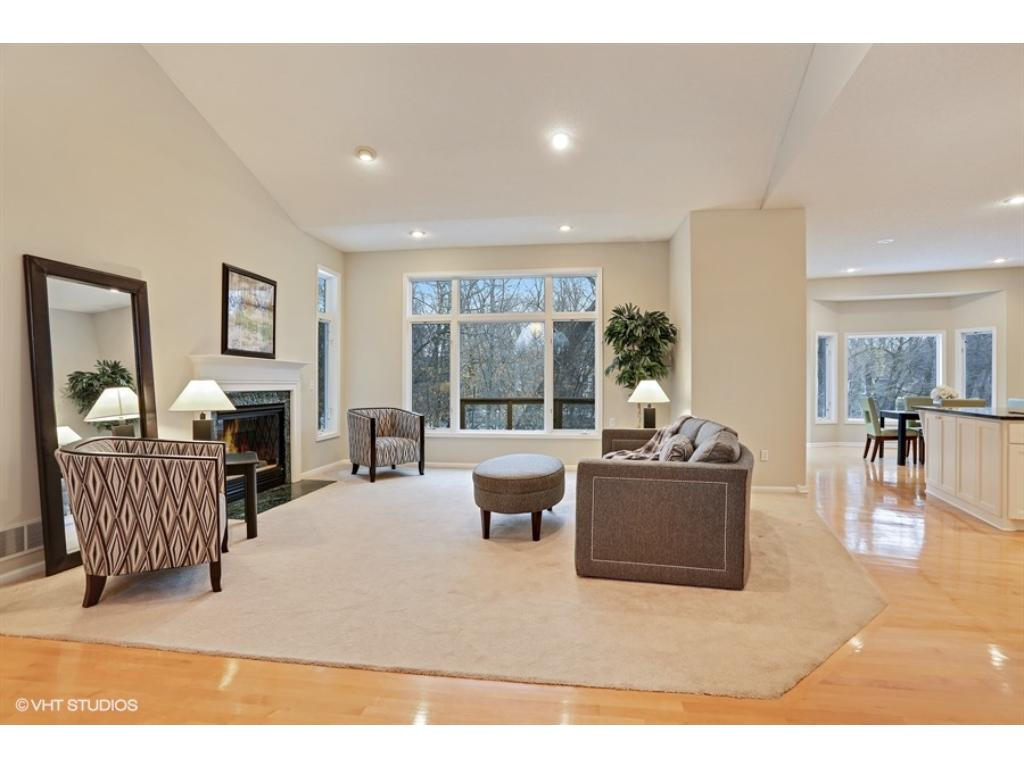 The Prettiest Home In Coon Rapids! Bright And Open Main Level, Two Master  Suites