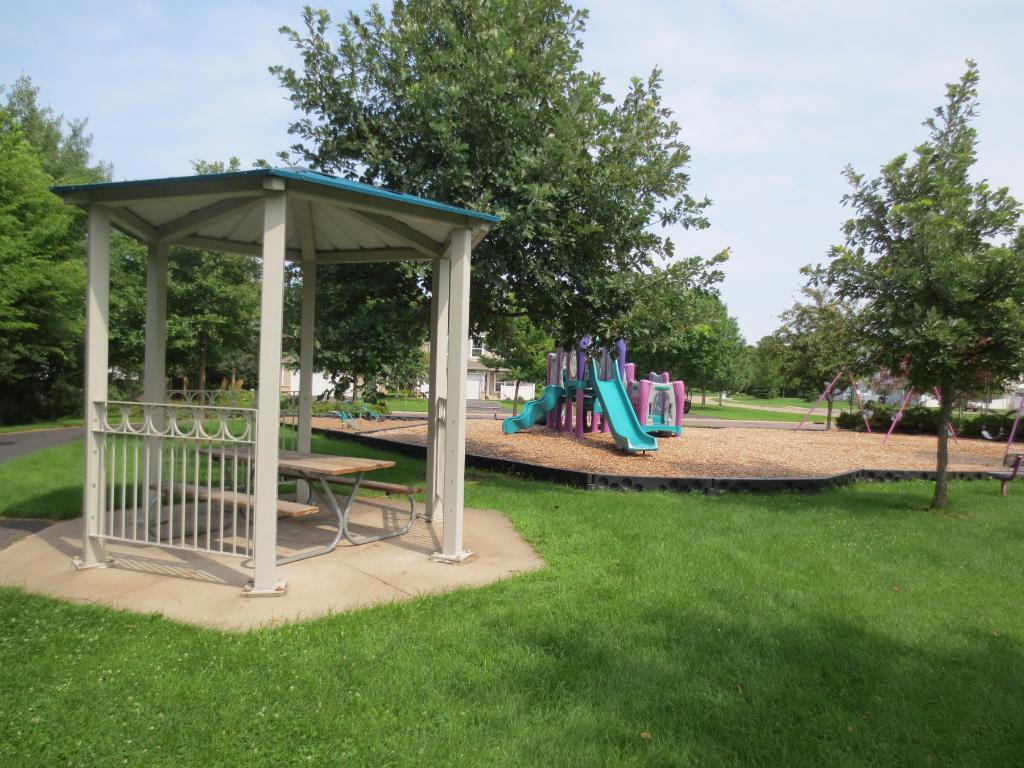 Walking distance to neighborhood park, gazebo and green space!