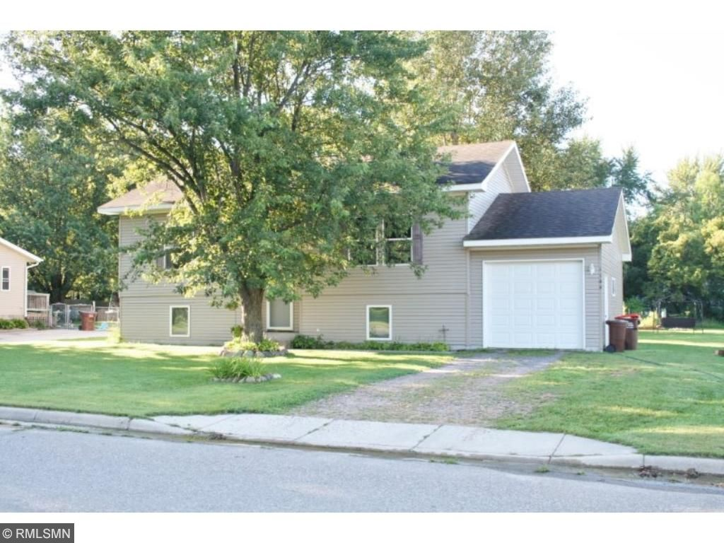 Clean 3 Br/ 2 Ba split level on a great lot.