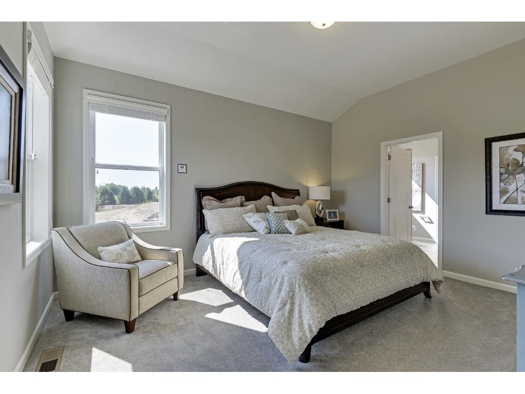 Master Bedroom with 10' ceilings