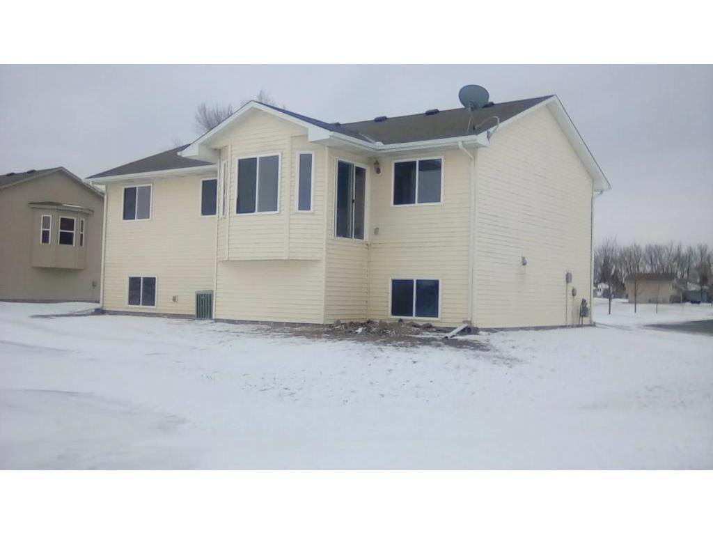 Green Isle Mn >> 115 E Shamrock Drive Green Isle Mn 55338 Mls 5135450