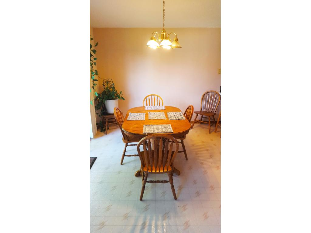 Dining area can seat 10 with no problem!