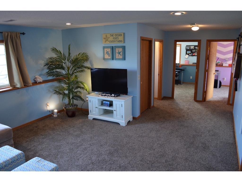 1172 Farmers Lane Belle Plaine MN 56011 MLS 4798887 Edina. Farmers home furniture