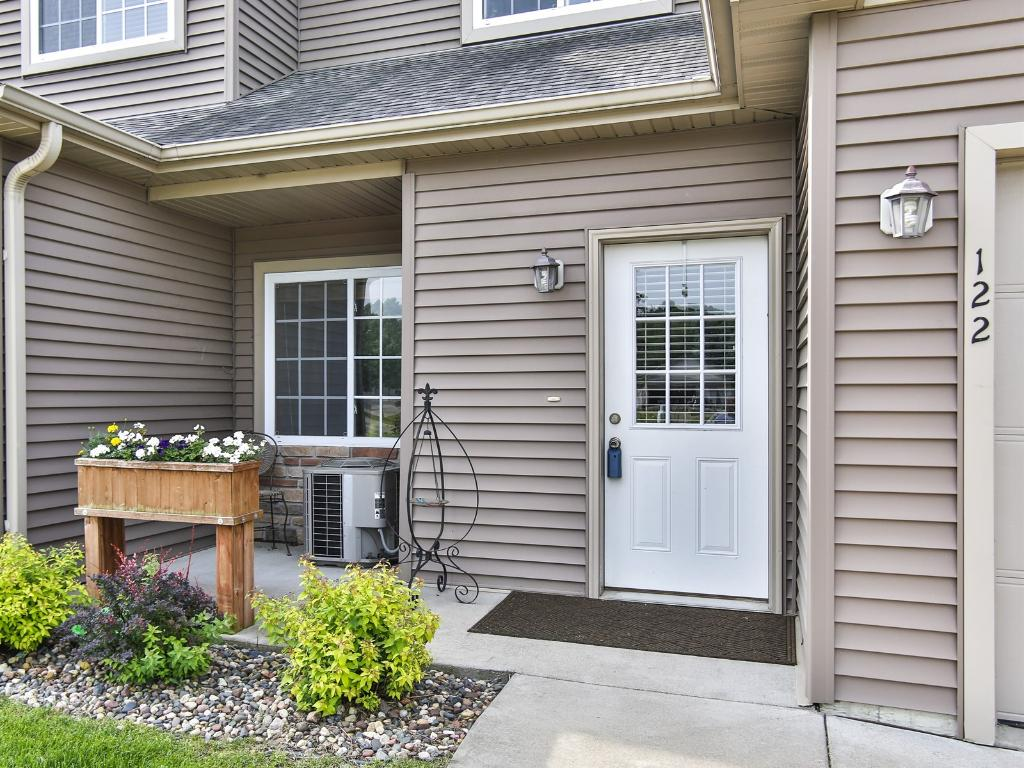 A welcoming front entrances brings you into the open design of this well kept and move in ready home.
