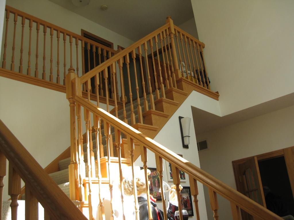 Foyer/Stairwell