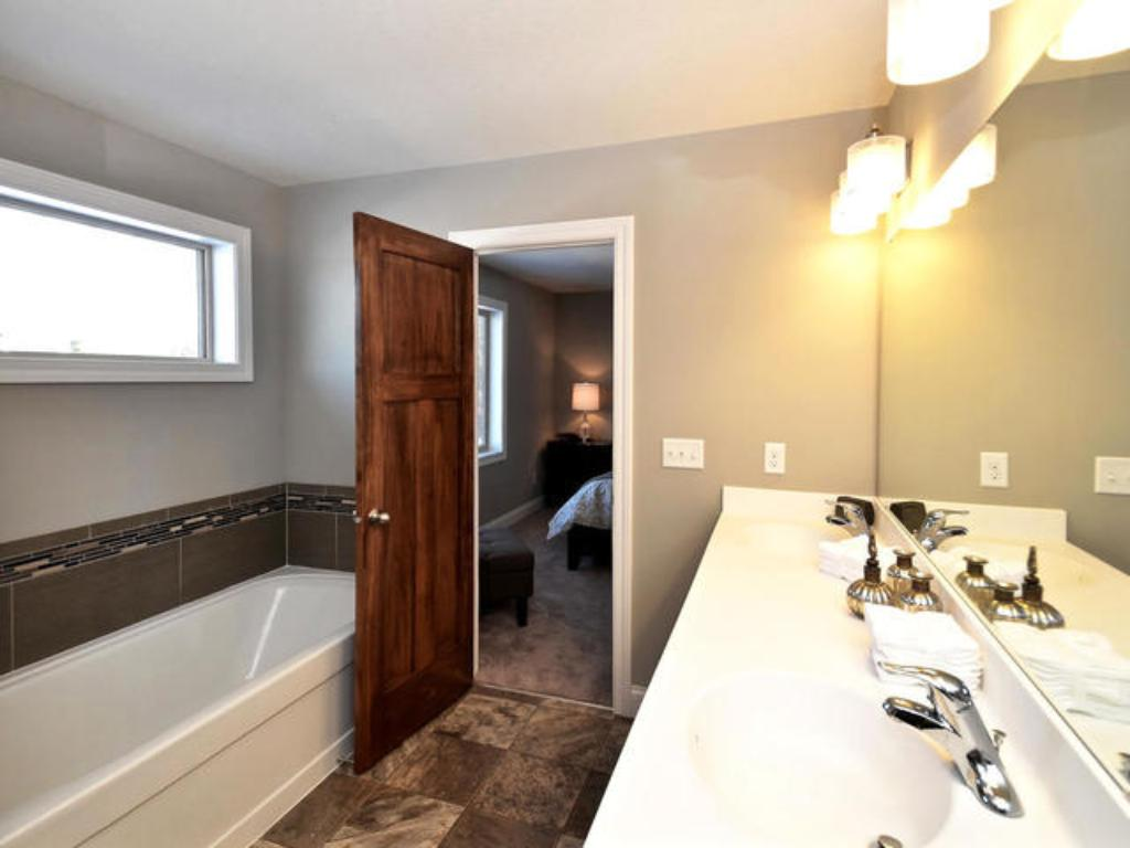 Master bath (pic from a previous model)