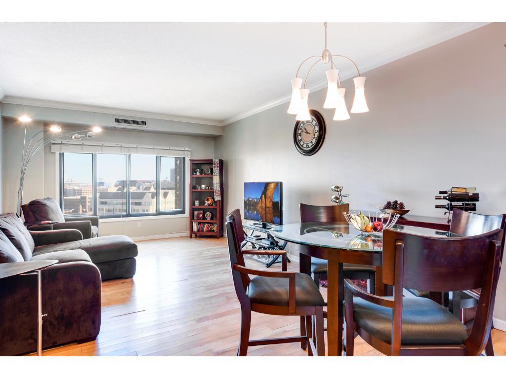 1235 Yale Place #906, Minneapolis, MN 55403 | MLS: 4916700 | Edina ...