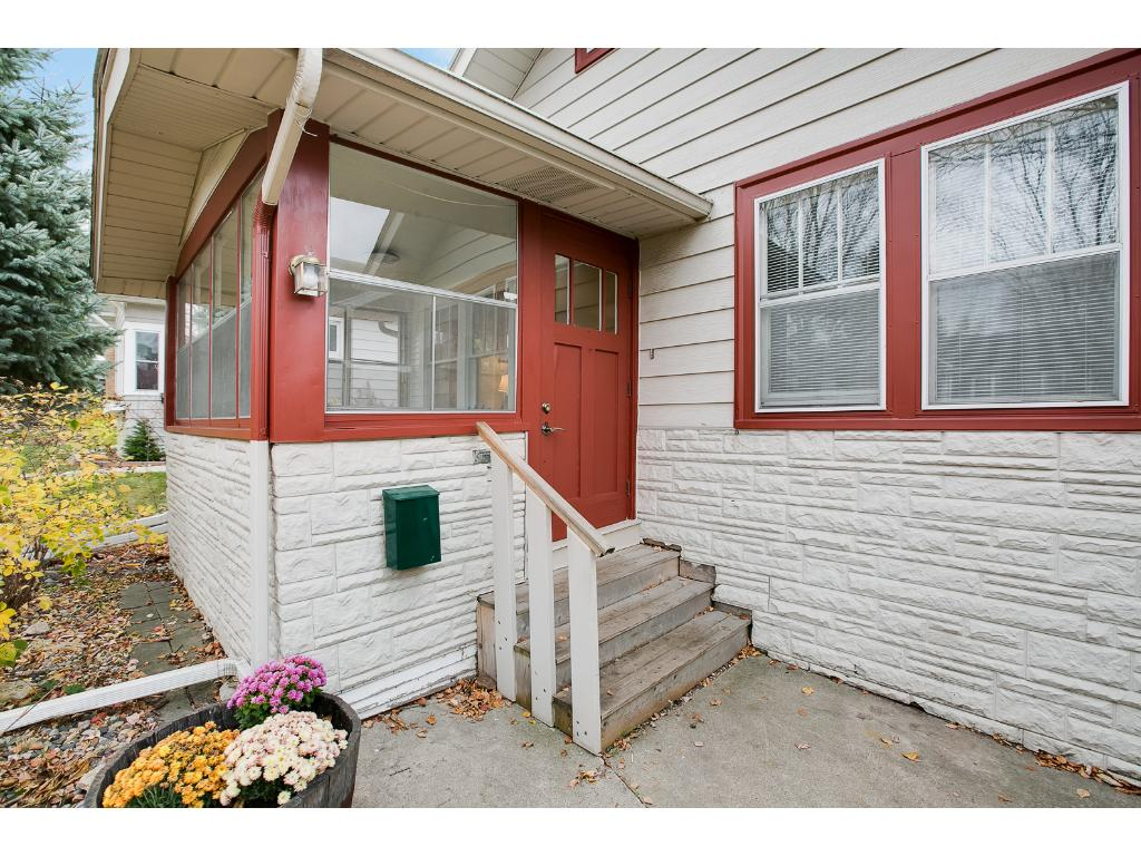 Situated on a charming lot close to both Grand Avenue & the bus line!