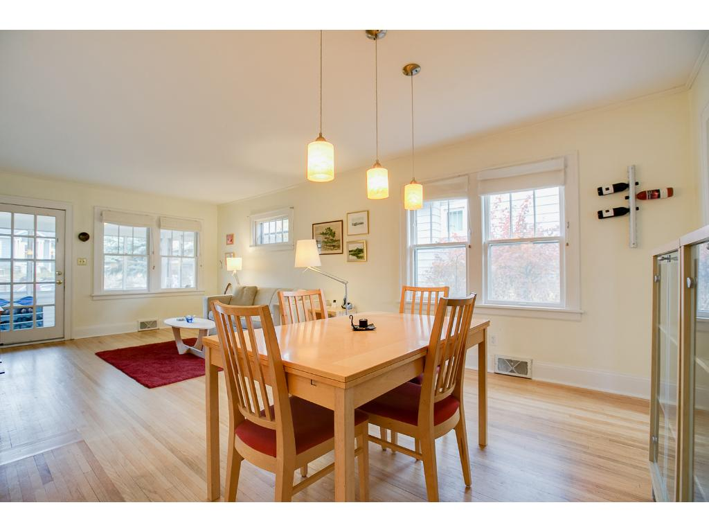 Large dining room space perfect for entertaining!