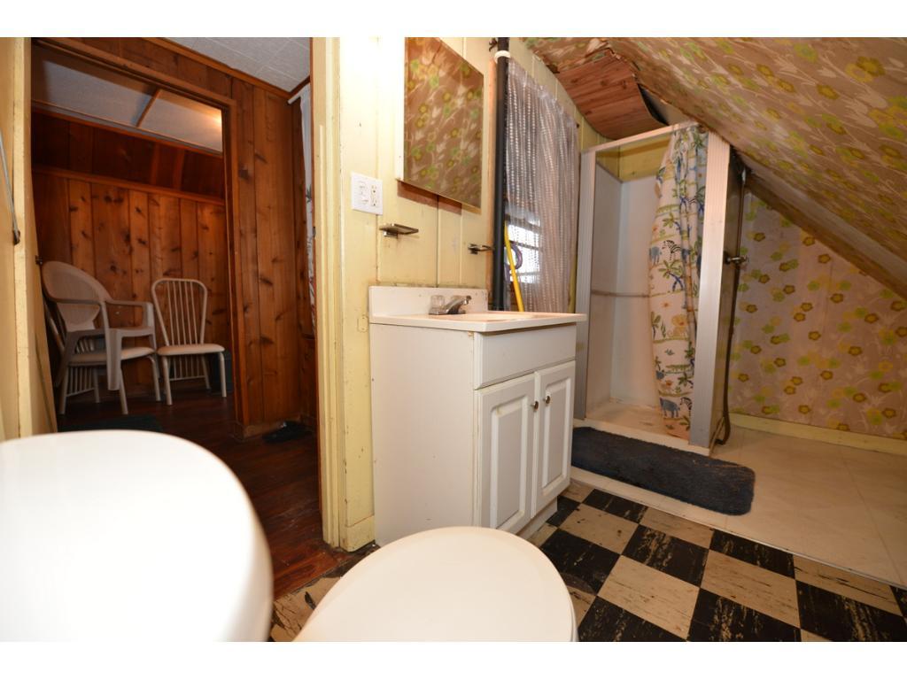 3rd floor 3/4 bath is very smallish and very cozy