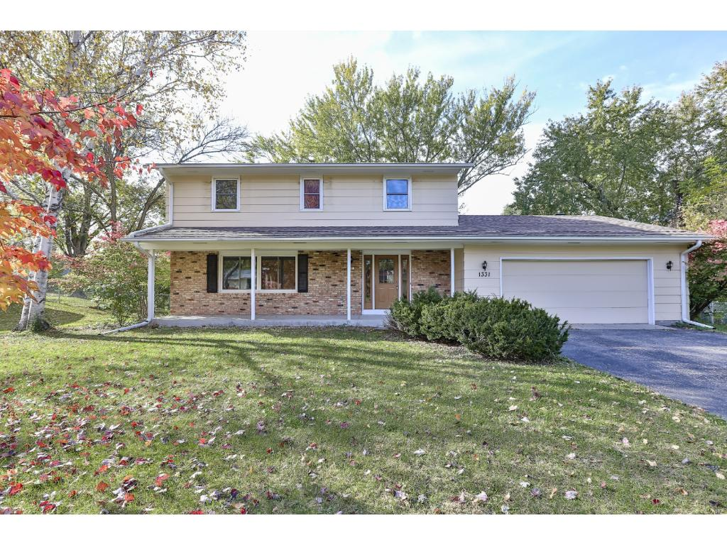 Spacious 4 Bedroom on over 1/2 acre!