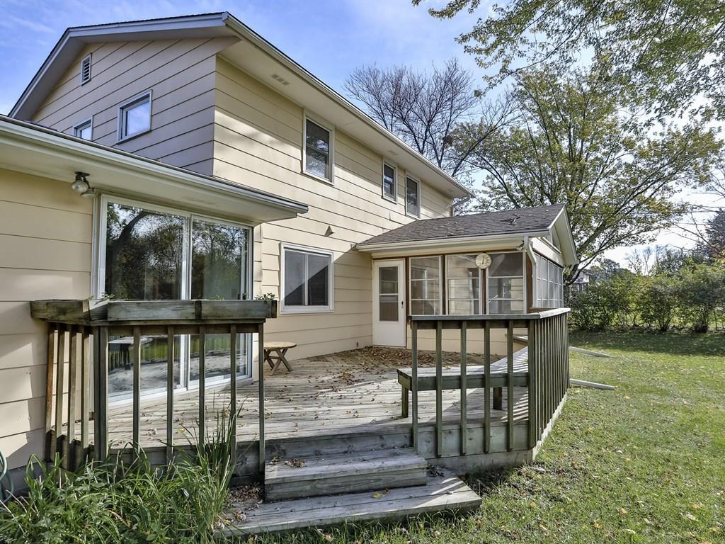 Deck & 3 season porch