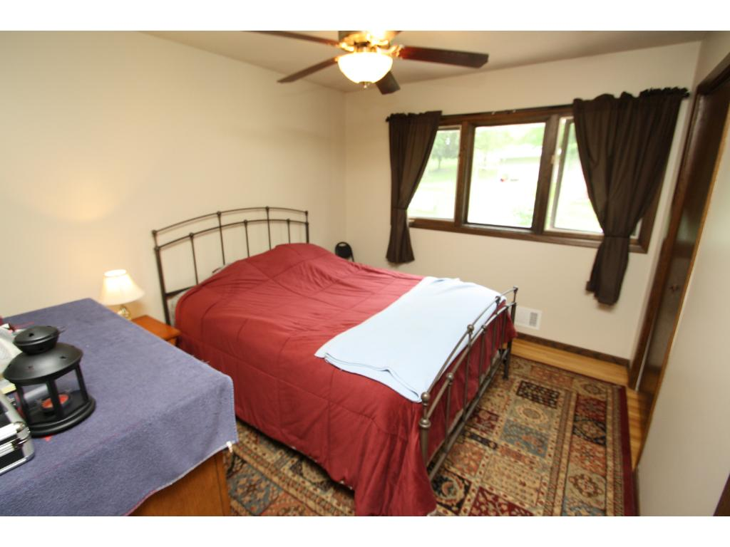Large 2nd upstairs bedroom