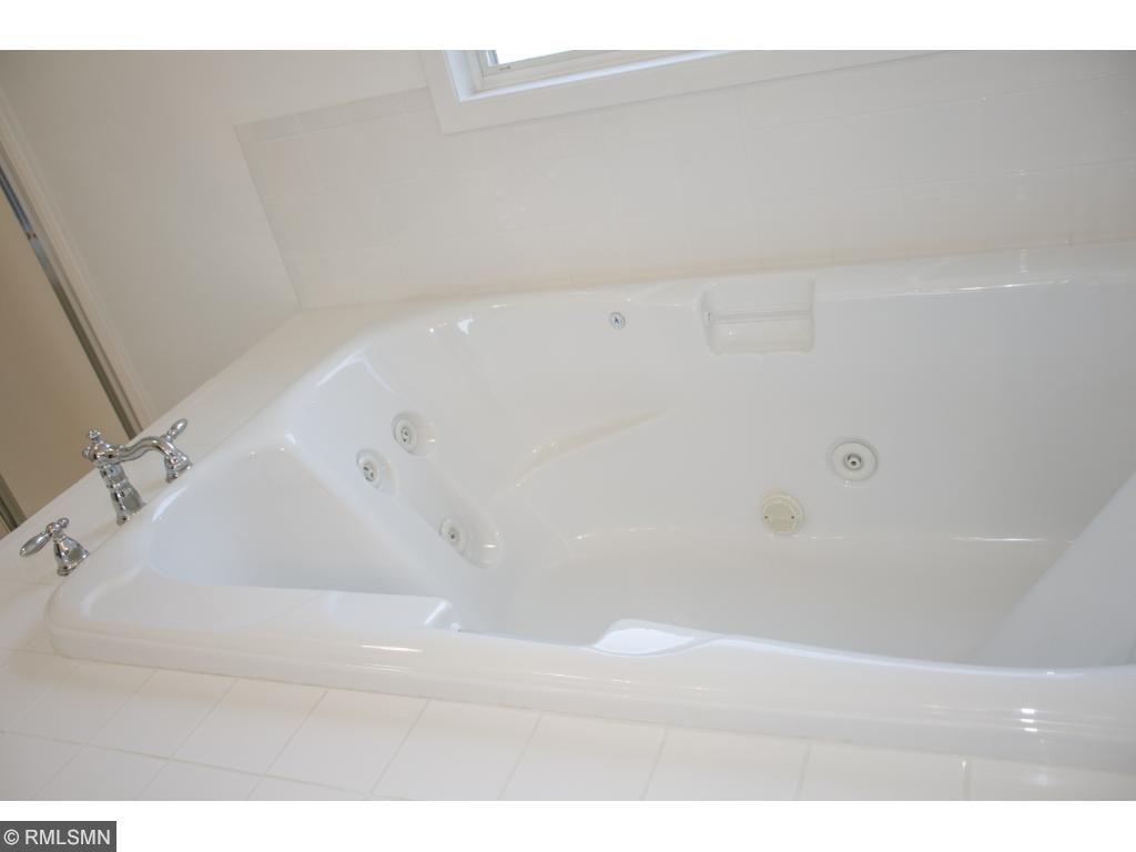 Upstairs Bath - Hot tub