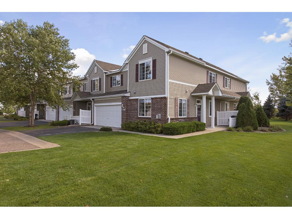 Lovely, 2 story, end unit townhome