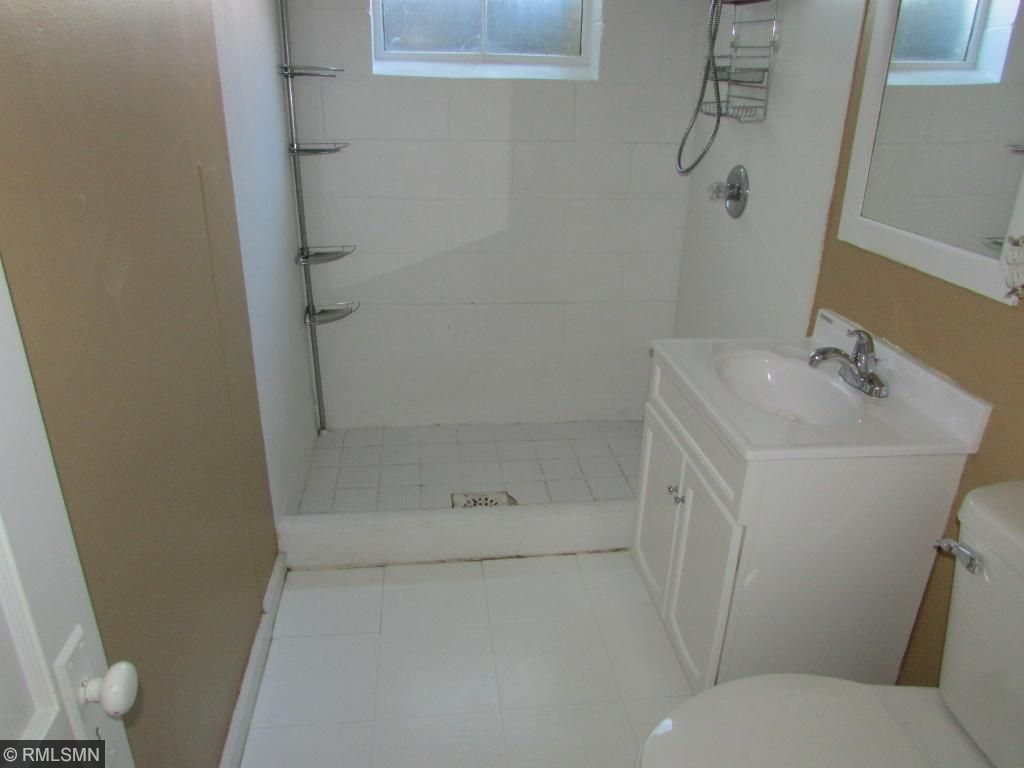 Possible 4th Bedroom in Lower Level (NON-CONFORMING) needs egress!