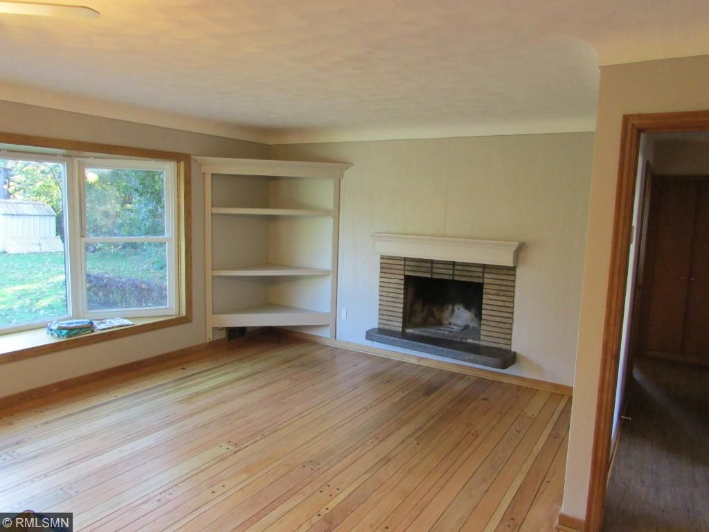Large Living Room w/ Fireplace & Large Bay Window!