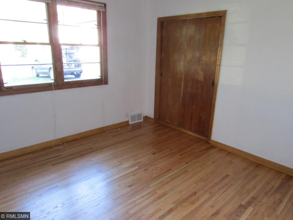 Large Family Room (Lower Level)