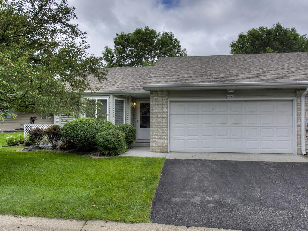 Homes For Sale In Apple Valley Mn Edina Realty