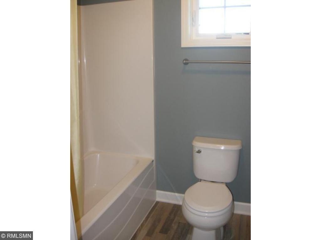 Upper level hallway bath