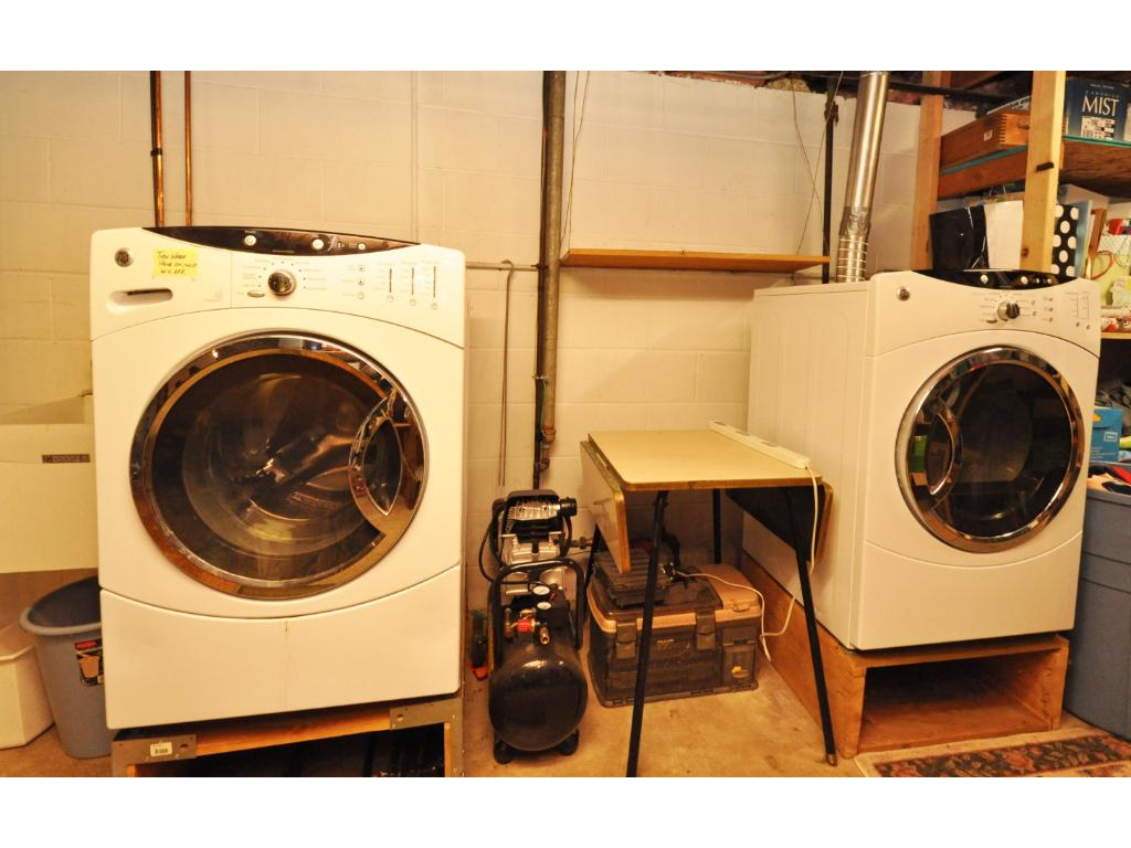 Front load washer and dryer included
