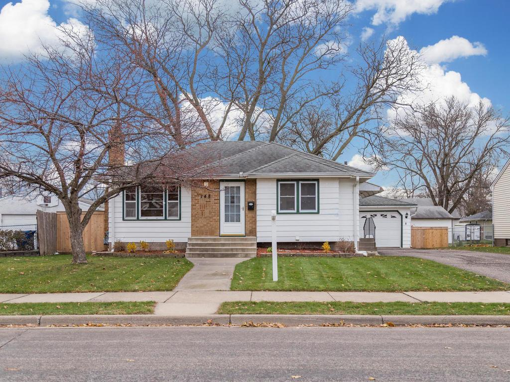 Excellent South St Paul rambler in a quiet neighborhood.  Close to freeways for easy commute. Many updates, MUST SEE!