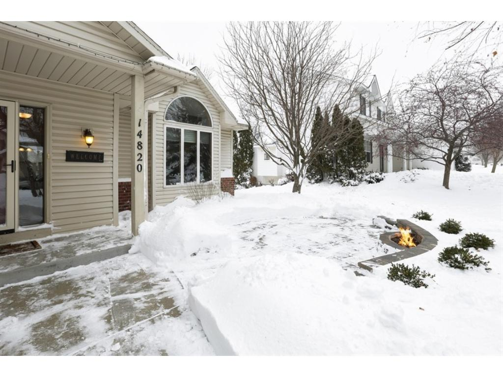 14820 credit view drive savage mn 55378 mls 4903171 edina want to have a nice warm fire outside your front door a gas fire pit rubansaba