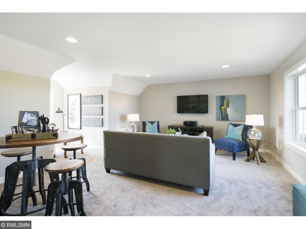 model pic-bonus room