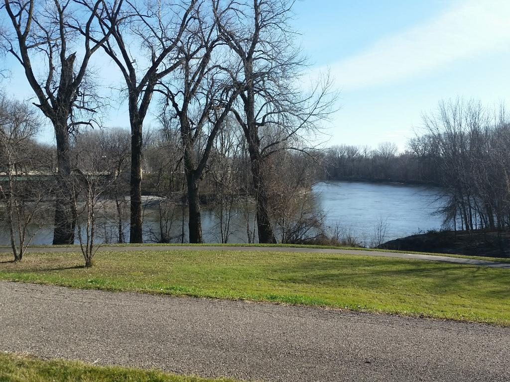 Next to paved bike/walking trails with scenic views.