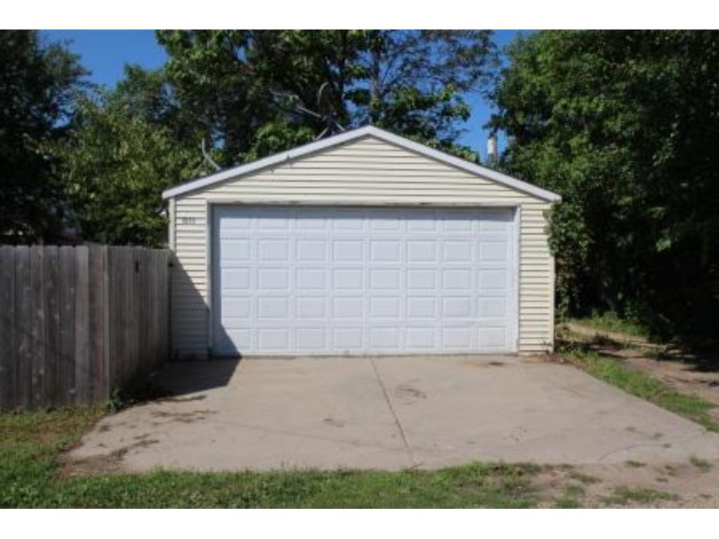 Hard to find 2-car garage!