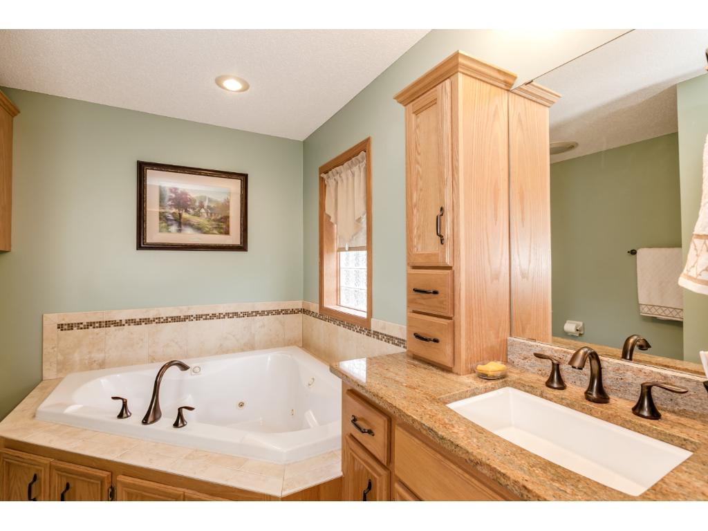 Lovely master bath with separate shower and jetted tub