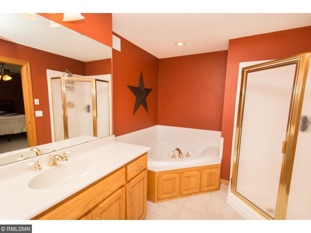 Master bath with seperate shower & jetted tub.