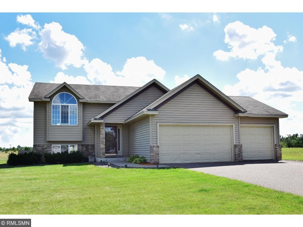 Welcome to 15223 288th Avenue NW, Zimmerman, MN 55398