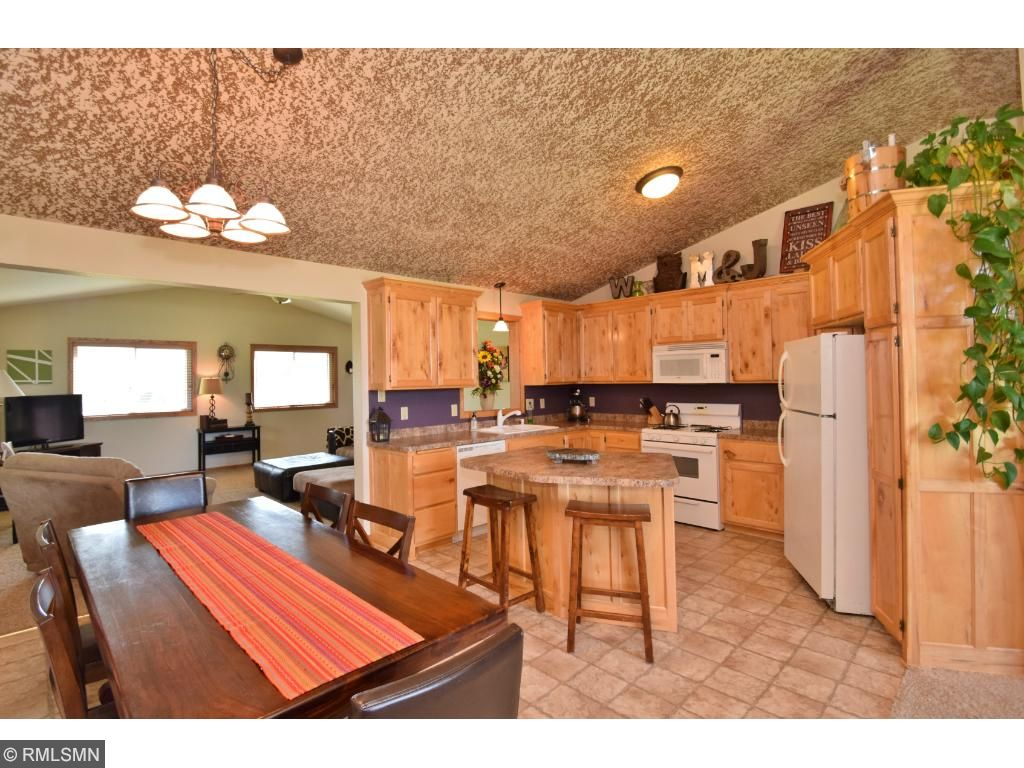 Great kitchen with a breakfast bar!