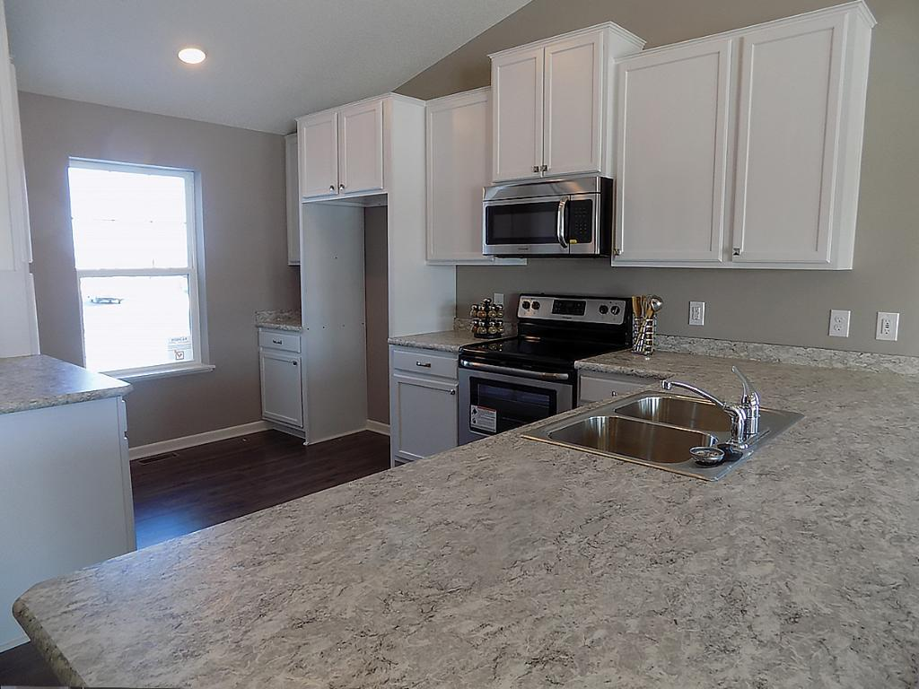 Apple Valley Kitchen Cabinets 15225 Emory Avenue Apple Valley Mn 55124 Mls 4791523 Edina