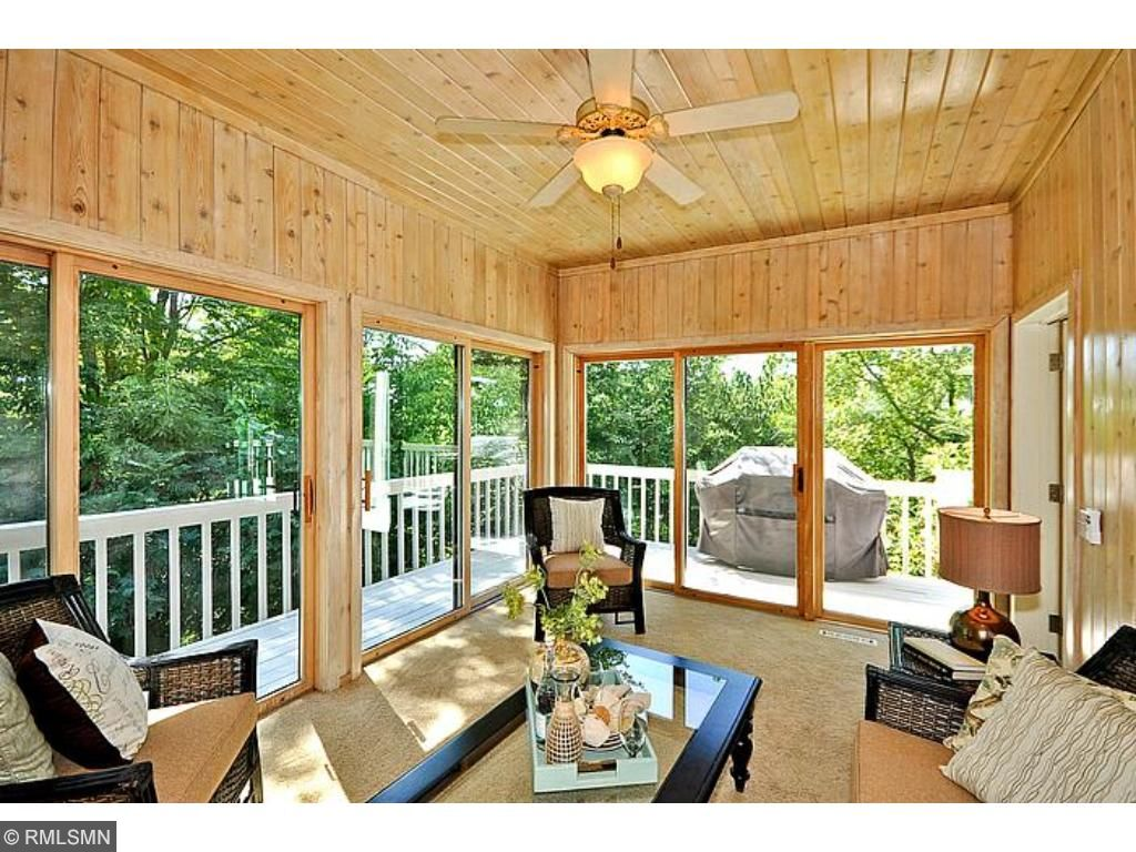 very large sunroom that can be used for all 4 seasons