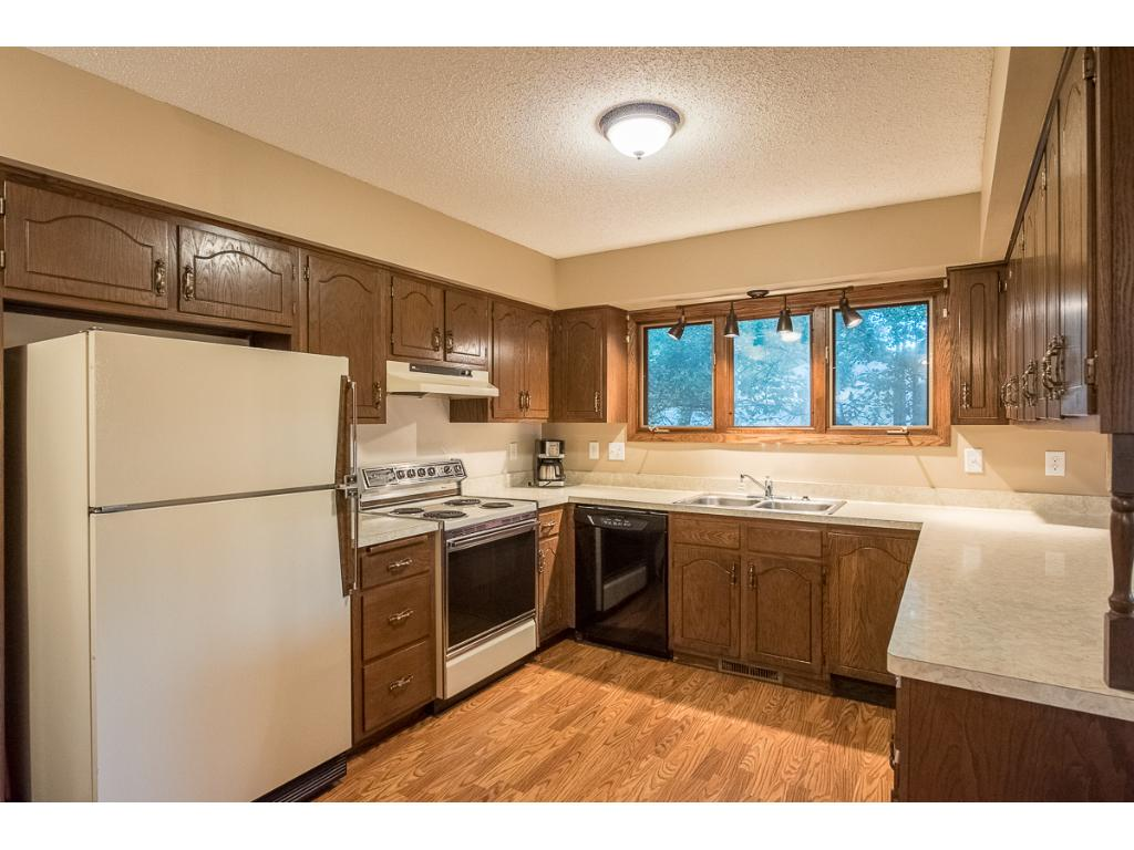 Large kitchen with lots of cupboard and counter space!