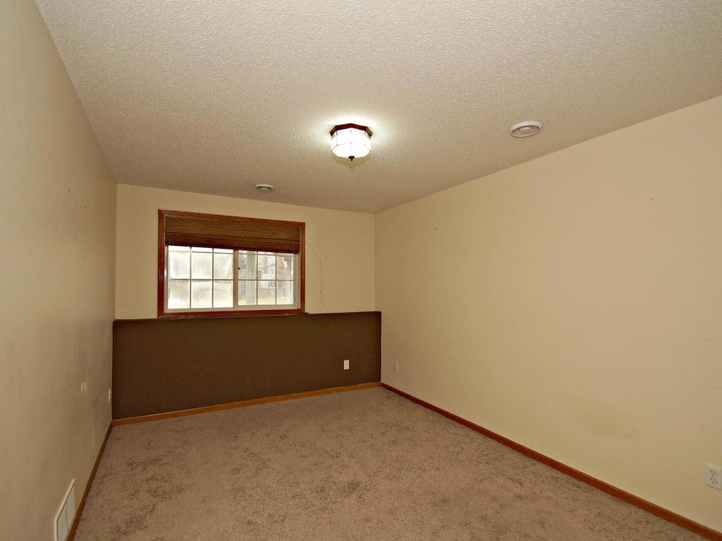 Large lower level bedroom, the perfect guest retreat!