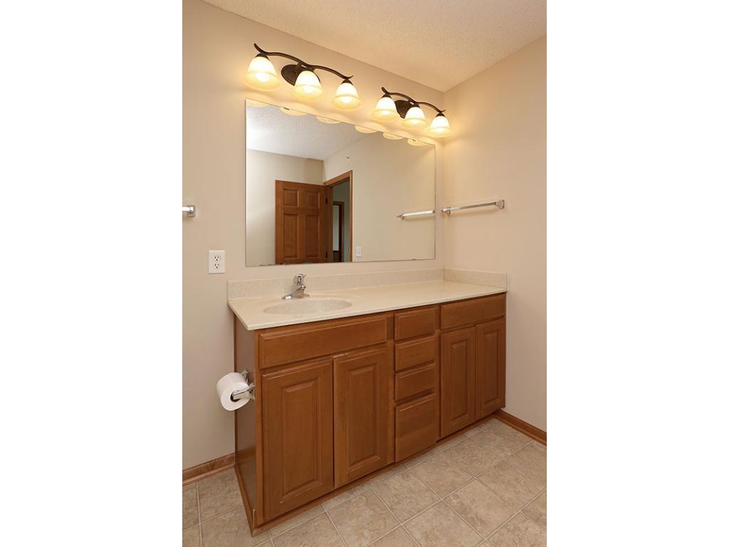 Cobblestone Kitchen Floor 15628 Cobblestone Lake Parkway 1605 Apple Valley Mn 55124 Mls