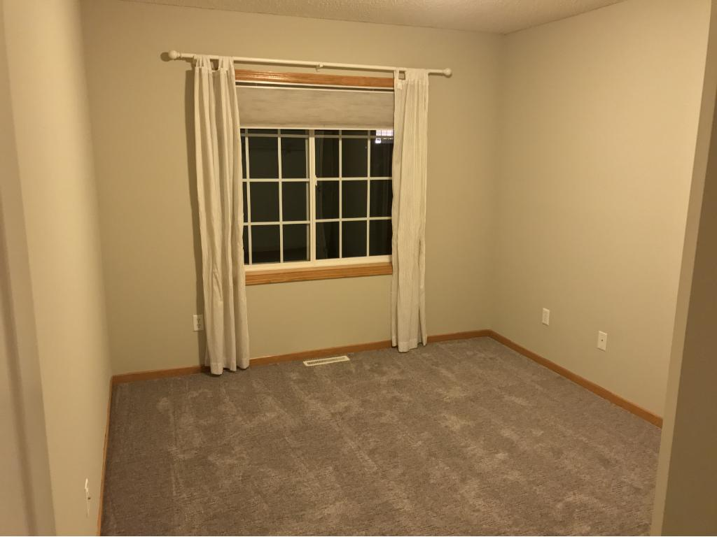2nd upper level bedroom.