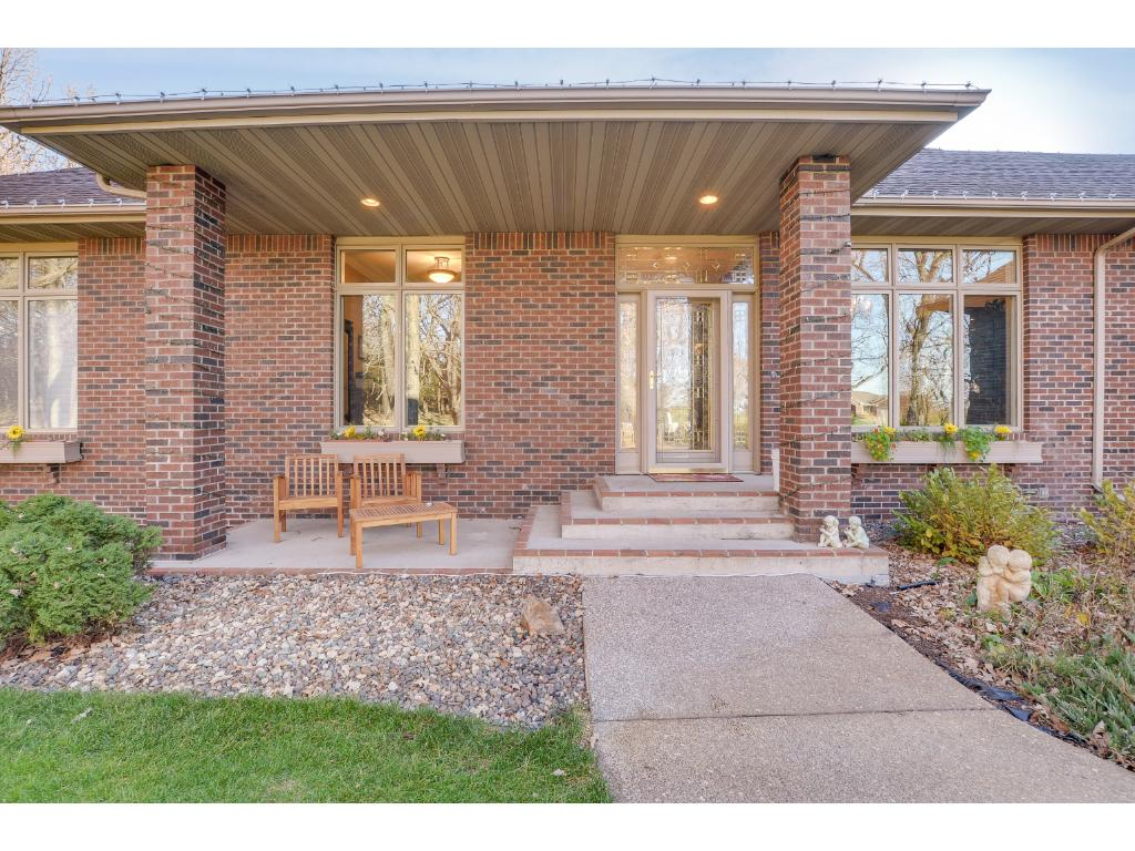 Luxurious Northfork home sitting on a 3.8+ acre lot backing up to Lake Itasca. Enjoy the serene backyard featuring a built-in firepit, a path leading to the lake & patio area, 2 decks & a LL patio. 3 car garage up front, 3 car garage in the back!