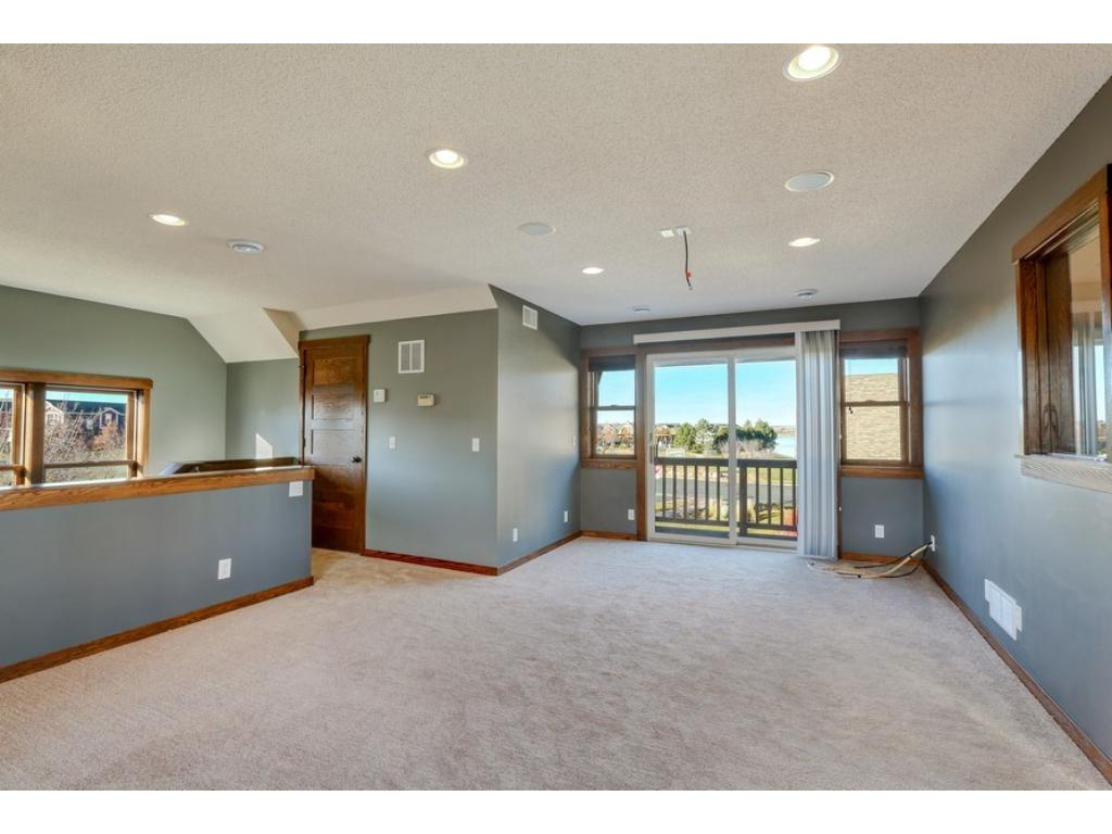 Office/Den or Bedroom over the 2 car garage. Newer hardwood floors, cable TV, recessed lighting, and so much more!