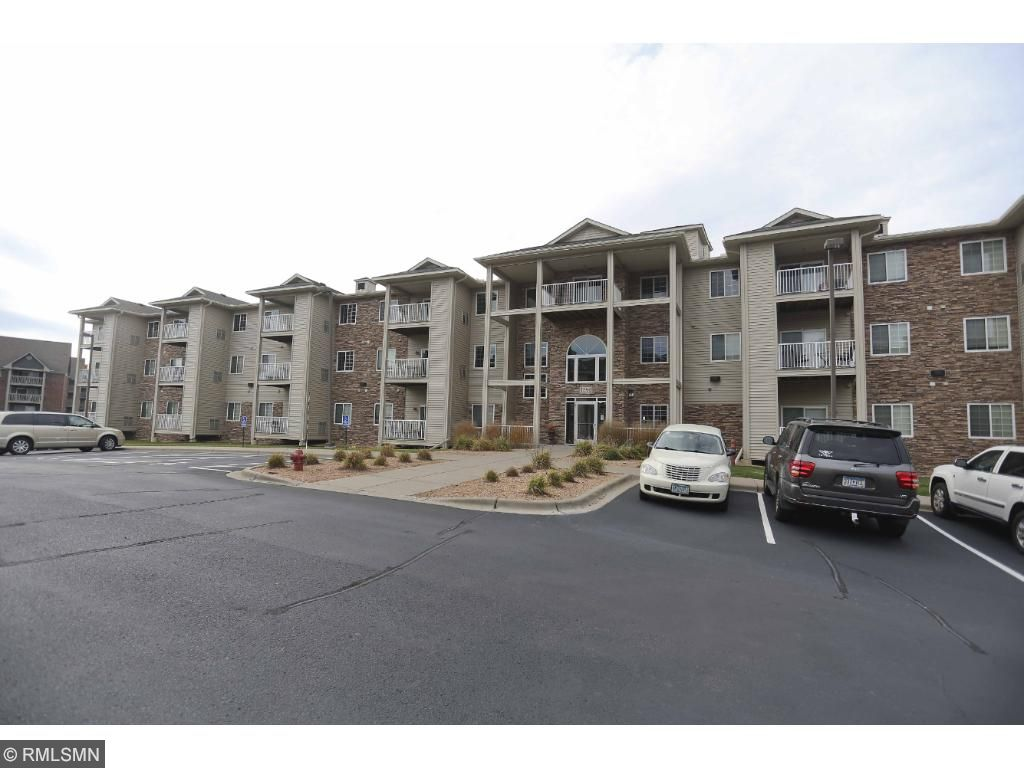 Very well kept Condo in Woodbury.  Rare opportunity live in a maintenance free home with underground parking and extra storage.  Updates to the unit include upper carpet/pad, paint, and awesome GE appliances.   Lots of common areas for enjoyment.