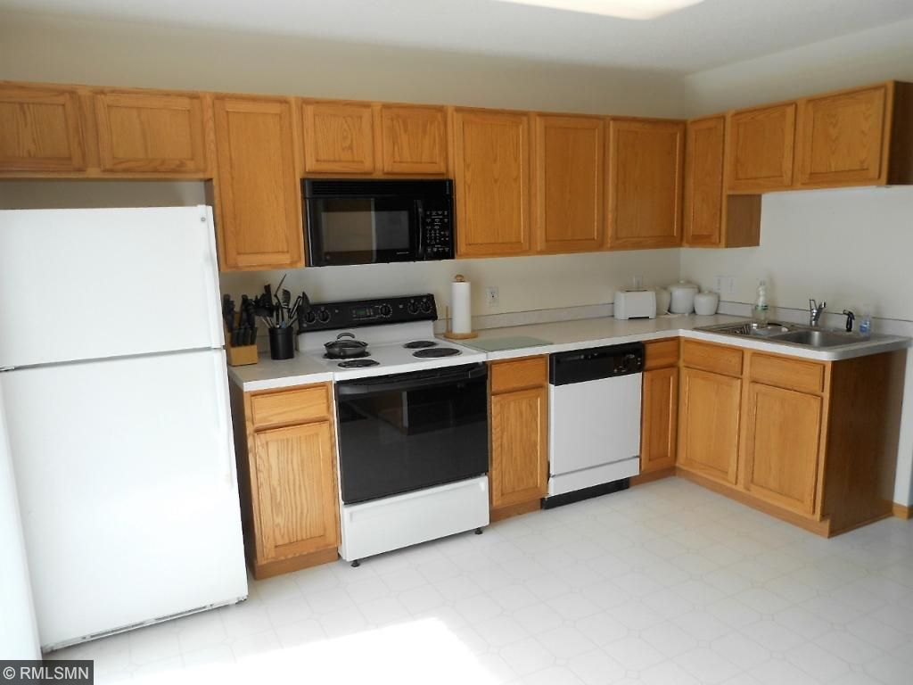 Apple Valley Kitchen Cabinets 15971 Firtree Drive 20 Apple Valley Mn 55124 Mls 4811090